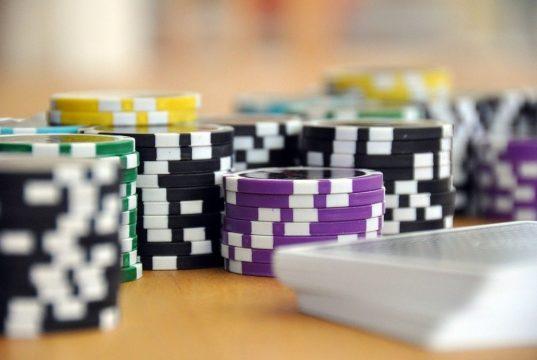 Derfor er det sjove at spille casino på nettet end i det virkelige liv